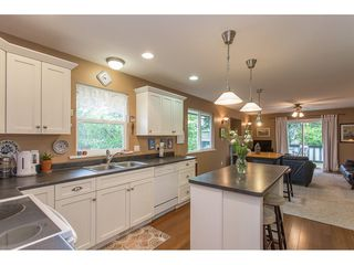 Photo 12: 7573 COLUMBIA Street in Mission: Mission BC House 1/2 Duplex for sale : MLS®# R2175303