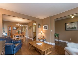 Photo 4: 7573 COLUMBIA Street in Mission: Mission BC 1/2 Duplex for sale : MLS®# R2175303