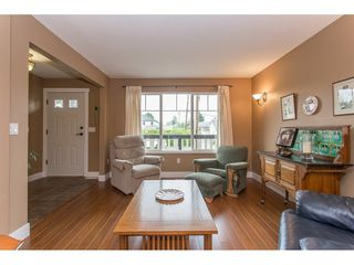 Photo 3: 7573 COLUMBIA Street in Mission: Mission BC 1/2 Duplex for sale : MLS®# R2175303