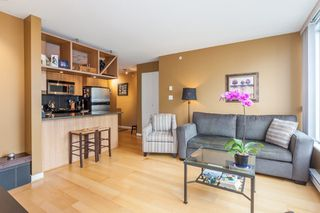 "Photo 5: 1604 1010 RICHARDS Street in Vancouver: Yaletown Condo for sale in ""The Gallery"" (Vancouver West)  : MLS®# R2204438"