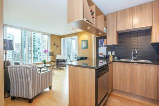 "Photo 6: 1604 1010 RICHARDS Street in Vancouver: Yaletown Condo for sale in ""The Gallery"" (Vancouver West)  : MLS®# R2204438"