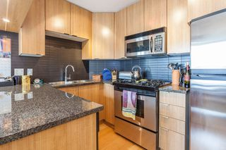 "Photo 3: 1604 1010 RICHARDS Street in Vancouver: Yaletown Condo for sale in ""The Gallery"" (Vancouver West)  : MLS®# R2204438"