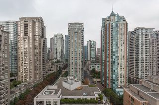 "Photo 17: 1604 1010 RICHARDS Street in Vancouver: Yaletown Condo for sale in ""The Gallery"" (Vancouver West)  : MLS®# R2204438"