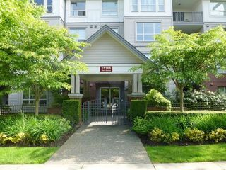 Photo 1: 307 15188 22ND Ave in South Surrey White Rock: Home for sale : MLS®# F1312578