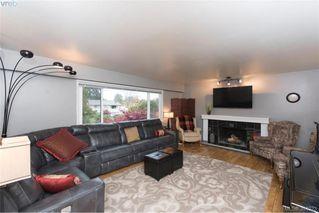 Photo 3: 1884 San Juan Ave in VICTORIA: SE Gordon Head House for sale (Saanich East)  : MLS®# 773740