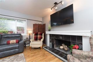 Photo 5: 1884 San Juan Ave in VICTORIA: SE Gordon Head Single Family Detached for sale (Saanich East)  : MLS®# 773740