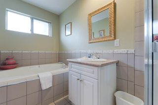"Photo 11: 21466 90 Avenue in Langley: Walnut Grove House for sale in ""Walnut Grove"" : MLS®# R2256477"