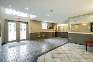 """Photo 4: 310 20894 57 Avenue in Langley: Langley City Condo for sale in """"Bayberry Lane"""" : MLS®# R2276911"""