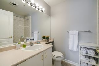 """Photo 15: 310 20894 57 Avenue in Langley: Langley City Condo for sale in """"Bayberry Lane"""" : MLS®# R2276911"""