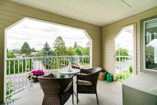 """Photo 19: 310 20894 57 Avenue in Langley: Langley City Condo for sale in """"Bayberry Lane"""" : MLS®# R2276911"""