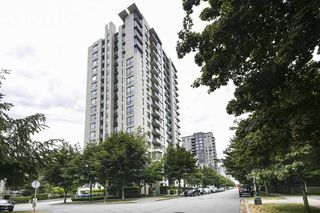 "Photo 19: 315 3588 CROWLEY Drive in Vancouver: Collingwood VE Condo for sale in ""NEXUS"" (Vancouver East)  : MLS®# R2277931"