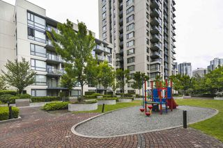 "Photo 18: 315 3588 CROWLEY Drive in Vancouver: Collingwood VE Condo for sale in ""NEXUS"" (Vancouver East)  : MLS®# R2277931"