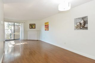 Photo 4: 10590 HOLLY PARK Lane in Surrey: Guildford Townhouse for sale (North Surrey)  : MLS®# R2296669
