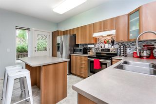"""Photo 9: 101 2000 PANORAMA Drive in Port Moody: Heritage Woods PM Townhouse for sale in """"MOUNTAINS EDGE"""" : MLS®# R2309703"""