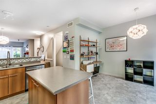 """Photo 8: 101 2000 PANORAMA Drive in Port Moody: Heritage Woods PM Townhouse for sale in """"MOUNTAINS EDGE"""" : MLS®# R2309703"""