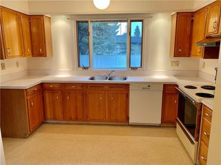 Photo 7: 10540 MAPLERIDGE Crescent SE in Calgary: Maple Ridge Detached for sale : MLS®# C4218427