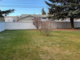 Photo 5: 10540 MAPLERIDGE Crescent SE in Calgary: Maple Ridge Detached for sale : MLS®# C4218427