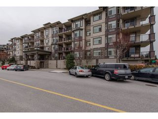 """Main Photo: 108 45893 CHESTERFIELD Avenue in Chilliwack: Chilliwack W Young-Well Condo for sale in """"The Willows"""" : MLS®# R2330735"""