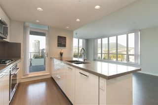 """Photo 2: 2308 3093 WINDSOR Gate in Coquitlam: New Horizons Condo for sale in """"The Windsor by Polygon"""" : MLS®# R2331154"""