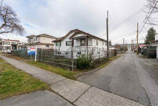 Photo 18: 22 MACDONALD Avenue in Burnaby: Vancouver Heights House for sale (Burnaby North)  : MLS®# R2337869