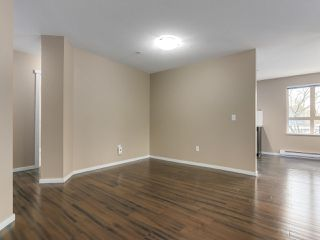 "Photo 5: 105 700 KLAHANIE Drive in Port Moody: Port Moody Centre Condo for sale in ""BOARDWALK IN KLAHANIE"" : MLS®# R2339172"