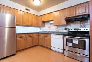 Photo 4: 1926 GOLETA Drive in Burnaby: Montecito Townhouse for sale (Burnaby North)  : MLS®# R2344547