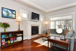 Photo 3: 110 W 13TH Avenue in Vancouver: Mount Pleasant VW Townhouse for sale (Vancouver West)  : MLS®# R2346045