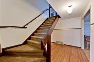 Photo 2: 15702 86 Avenue in Edmonton: Zone 22 House for sale : MLS®# E4148543