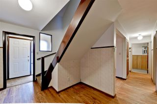 Photo 3: 15702 86 Avenue in Edmonton: Zone 22 House for sale : MLS®# E4148543