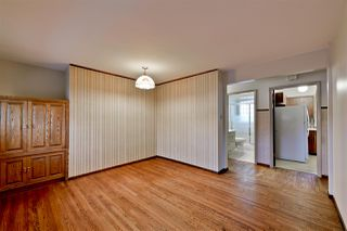 Photo 5: 15702 86 Avenue in Edmonton: Zone 22 House for sale : MLS®# E4148543