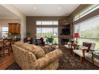 """Photo 6: B301 33755 7TH Avenue in Mission: Mission BC Condo for sale in """"The Mews"""" : MLS®# R2361753"""