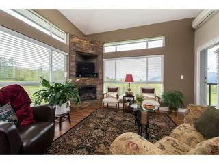 """Photo 7: B301 33755 7TH Avenue in Mission: Mission BC Condo for sale in """"The Mews"""" : MLS®# R2361753"""