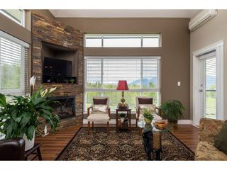 """Photo 5: B301 33755 7TH Avenue in Mission: Mission BC Condo for sale in """"The Mews"""" : MLS®# R2361753"""