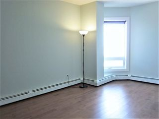 Photo 7: 2505 10152 104 Street in Edmonton: Zone 12 Condo for sale : MLS®# E4156660