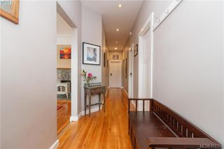 Photo 3: 639 Langford Street in VICTORIA: VW Victoria West Single Family Detached for sale (Victoria West)  : MLS®# 410798