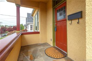 Photo 2: 639 Langford Street in VICTORIA: VW Victoria West Single Family Detached for sale (Victoria West)  : MLS®# 410798