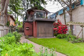 Main Photo: 876 FINLAY Street: White Rock House for sale (South Surrey White Rock)  : MLS®# R2373335