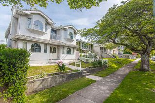 Photo 2: 773 E 59TH Avenue in Vancouver: South Vancouver House for sale (Vancouver East)  : MLS®# R2376928