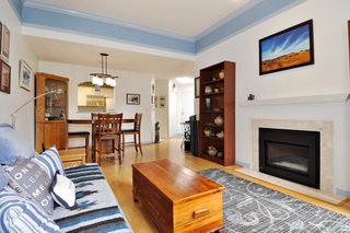 "Photo 4: 406 2960 PRINCESS Crescent in Coquitlam: Canyon Springs Condo for sale in ""THE JEFFERSON"" : MLS®# R2383661"