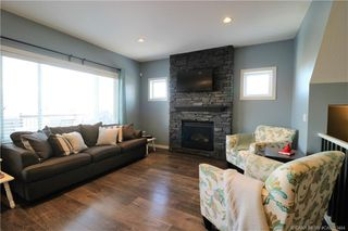 Photo 3: 289 Thompson Crescent in Red Deer: RR Timberstone Residential for sale : MLS®# CA0183464