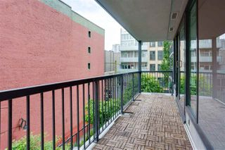 Photo 2: 501 66 W CORDOVA STREET in Vancouver: Downtown VW Condo for sale (Vancouver West)  : MLS®# R2490366