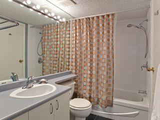 """Photo 9: 106 876 W 14TH Avenue in Vancouver: Fairview VW Condo for sale in """"WINDGATE LAUREL"""" (Vancouver West)  : MLS®# V878341"""