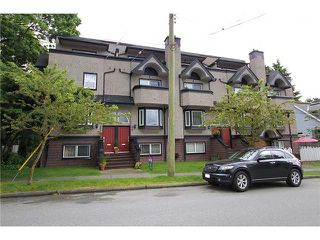 Photo 1: 2304 VINE Street in Vancouver: Kitsilano Townhouse for sale (Vancouver West)  : MLS®# V894432