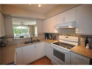 Photo 4: 9 249 E 4TH Street in North Vancouver: Lower Lonsdale Condo for sale : MLS®# V947028