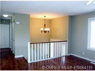 Photo 2: 120 Northeast 20 Street in Salmon Arm: NE Salmon Arm House for sale (Shuswap/Revelstoke)  : MLS®# 10070480