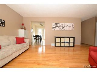 Photo 8: 134 FUHRMANN Crescent in Regina: Walsh Acres Single Family Dwelling for sale (Regina Area 01)  : MLS®# 493451