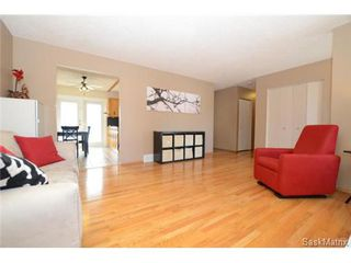 Photo 6: 134 FUHRMANN Crescent in Regina: Walsh Acres Single Family Dwelling for sale (Regina Area 01)  : MLS®# 493451
