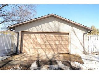 Photo 3: 134 FUHRMANN Crescent in Regina: Walsh Acres Single Family Dwelling for sale (Regina Area 01)  : MLS®# 493451
