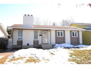 Photo 1: 134 FUHRMANN Crescent in Regina: Walsh Acres Single Family Dwelling for sale (Regina Area 01)  : MLS®# 493451