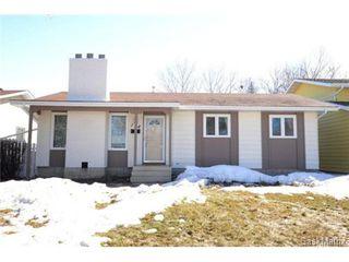 Photo 2: 134 FUHRMANN Crescent in Regina: Walsh Acres Single Family Dwelling for sale (Regina Area 01)  : MLS®# 493451